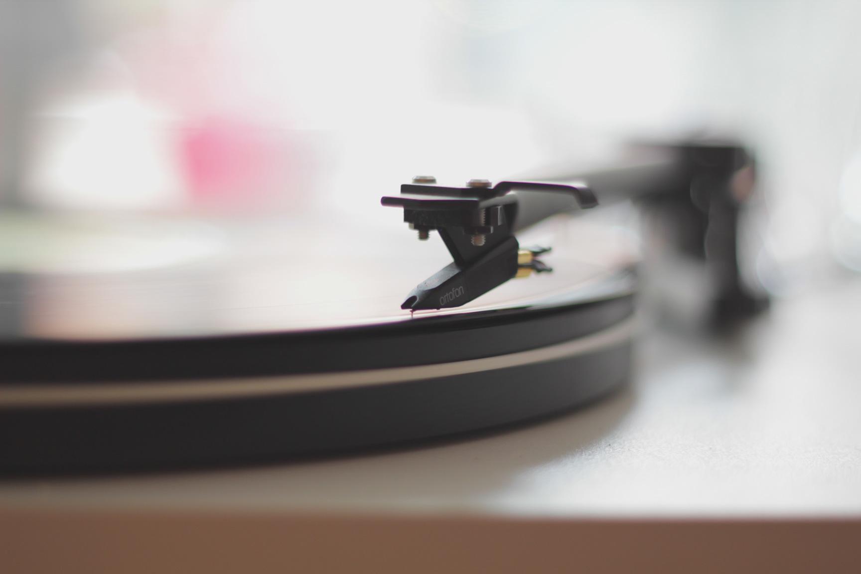 Schallplatten gewinnen zunehmend wieder an Beliebtheit. Foto: unsplash.com